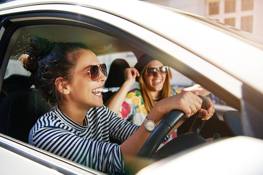 girls_enjoying_car_finance
