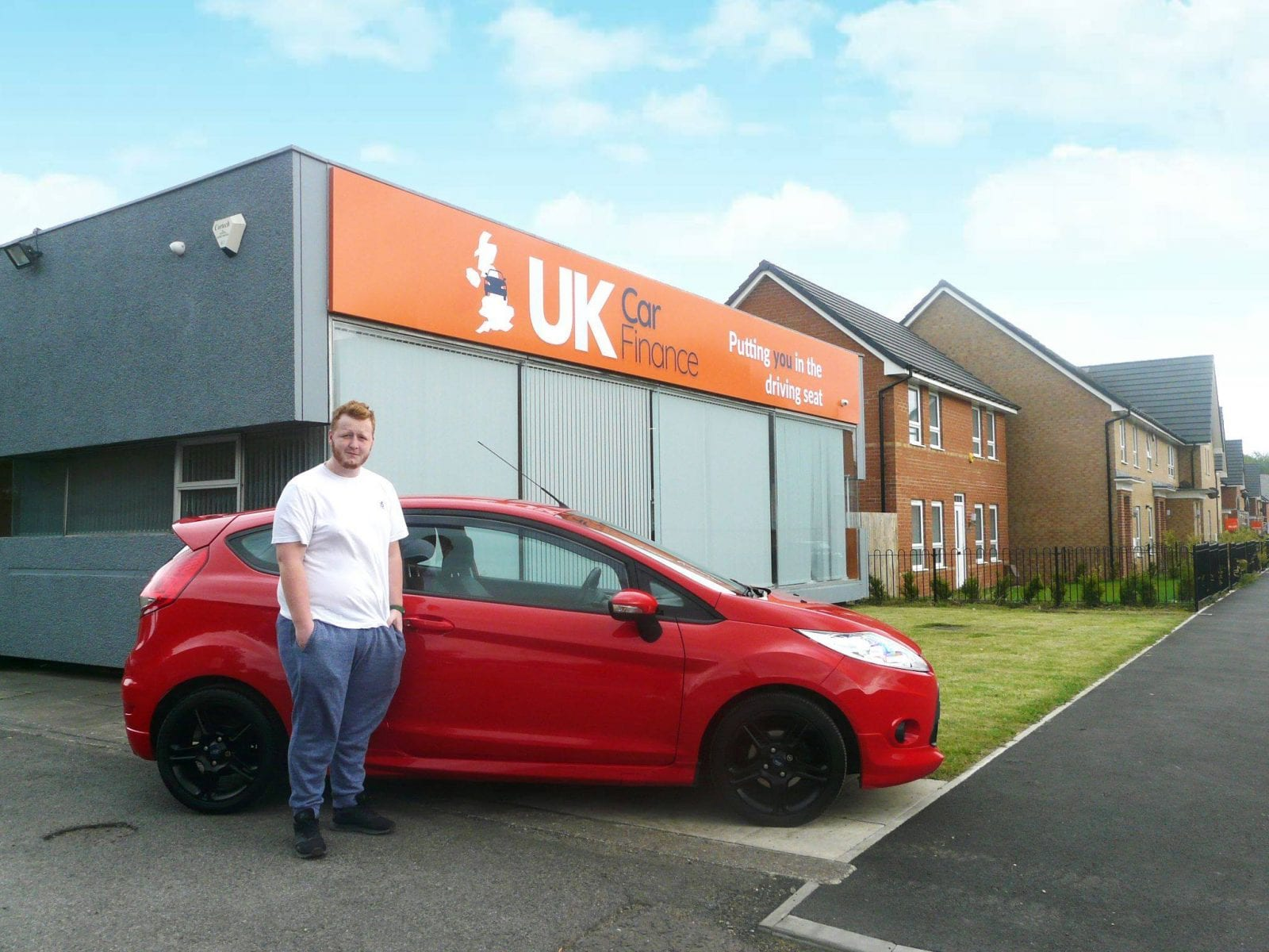 customer with red ford fiesta