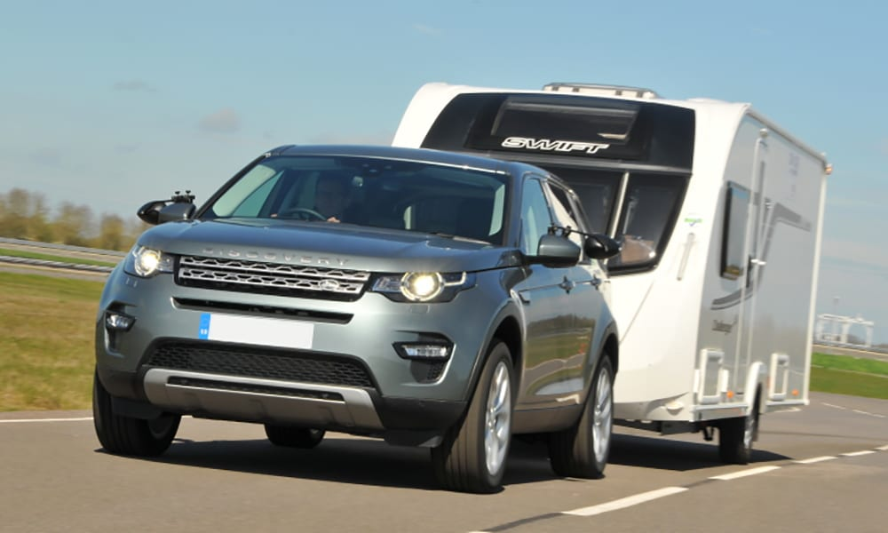 best cars for towing - land rover discovery