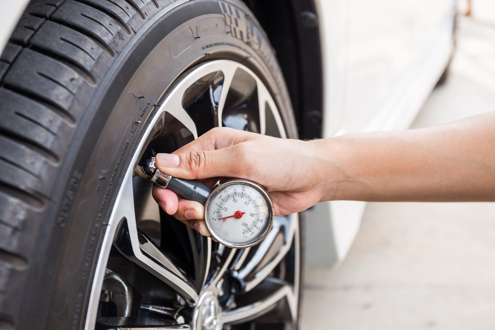 How to…check tyre pressure