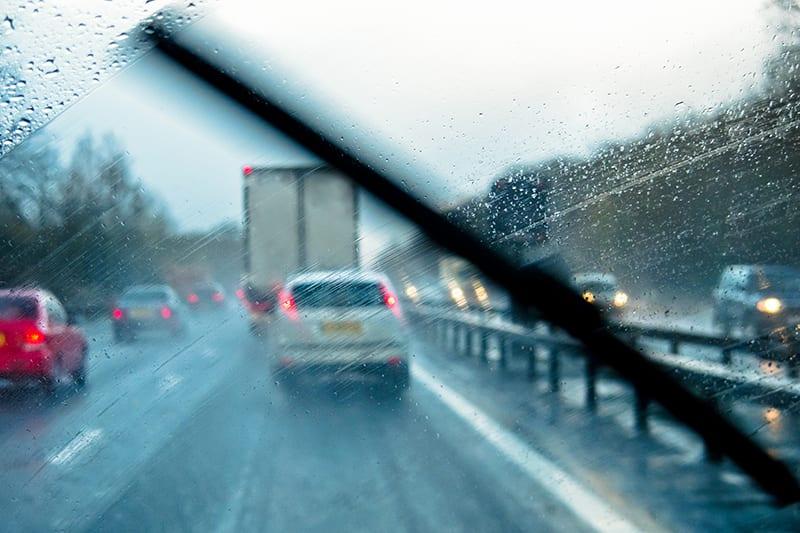 windscreen wipers in rain